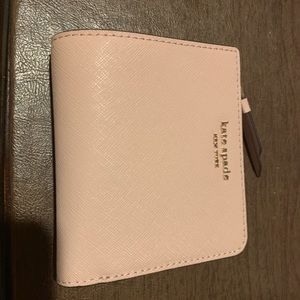 Kate Spade bifold wallet in warmvellum